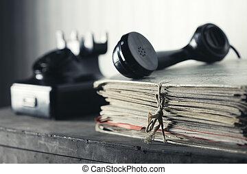 古い, 電話, 上に, a, 机, ∥で∥, 文書