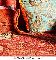 古い oman, 枕, カーペット
