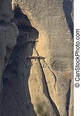 台なし, greece., キャバーナウス, meteora, 古い, 修道士, 極点, 避難所, の上, 建造しなさい, 岩