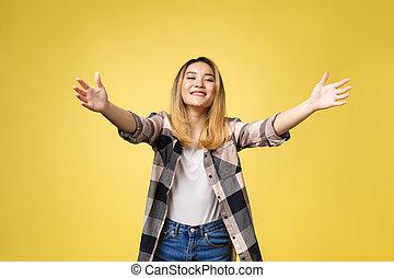 合図を送る, 彼女, 弾力性, 抱擁, 隔離された, 若い, 熊, 腕, バックグラウンド。, 女, クローズアップ, 黄色, 肖像画, 来なさい