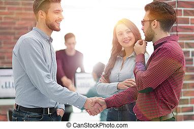 同僚, オフィス。, 手, ビジネスマン, 微笑, 動揺