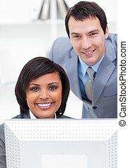 同僚, 仕事, 2, 合併した, コンピュータ