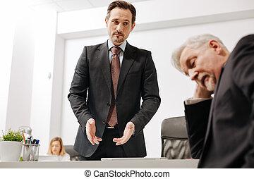 同僚, 困惑させる, 協力者, 会話, 困難, 持つこと