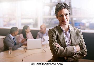 同僚, 彼女, 女性実業家, カメラ, 前部, 微笑