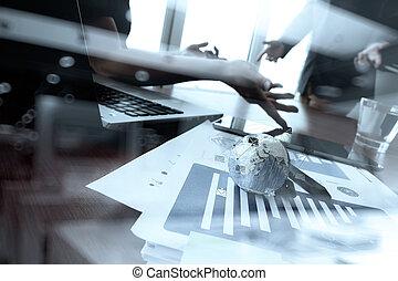 同僚, 文書, ビジネスオフィス, データ, ラップトップ, タブレット, 2, 電話, コンピュータ, 背景, デジタル, テーブル, 論じる, 痛みなさい