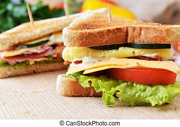 味が良い, サンドイッチ