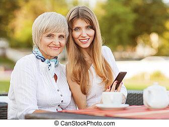 咖啡, 女儿, 茶, 谈话, 成人, 妈妈, 喝, 或者, 在外