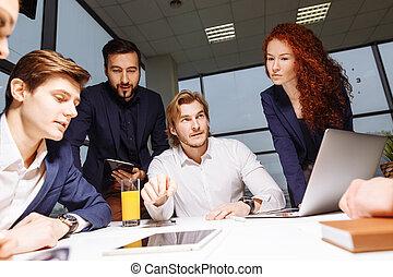 商人, 做, 表達, 在, 辦公室