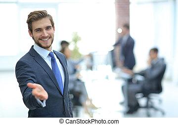 商人, 由于, 手, 在, a, 歡迎, 姿態, 在辦公室