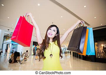 商场, 妇女购物, 年轻