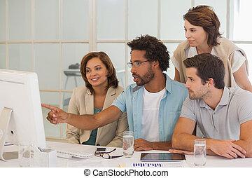商業界人士, 使用計算机, 一起