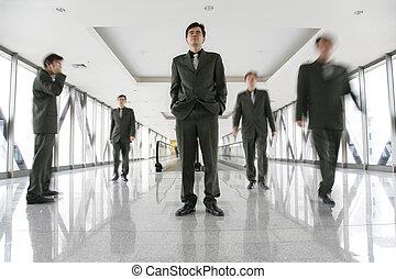 商業界人士, 在, 走廊