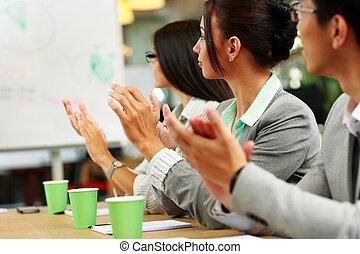 商業界人士, 鼓掌歡迎, 在, a, meeting., 事務, concept.