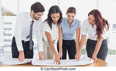 商業組, 閱讀, 工作, 計划