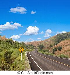 国, 巻上げの 道, 印, ∥で∥, 青い空
