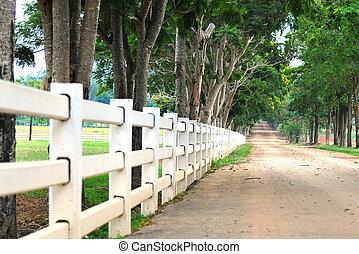 国, 白いフェンス