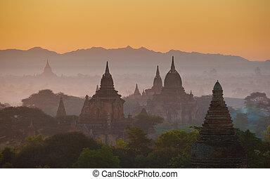 在上方, 古老, bagan, 日出, myanmar