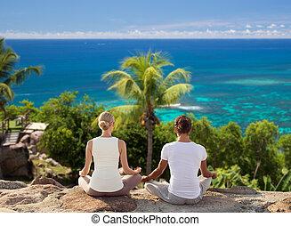 在戶外, 鍛煉, 瑜伽, 做, 夫婦, 微笑