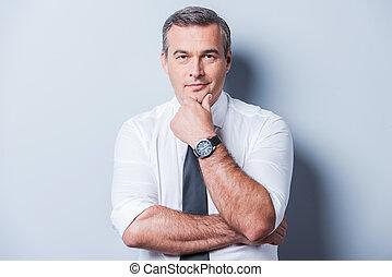 地位, について, ワイシャツ, 間, 考え, problems., 背景, 灰色, に対して, 手, 見る, ...