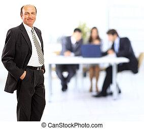 地位, オフィス, 屋内, -, 確信した, 成長した, 肖像画, ビジネスマン