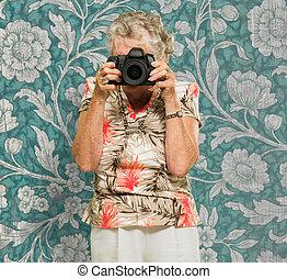 地位, カメラマン, 年長の 女性, カメラ