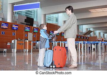 地位, スーツケース, 側, 父, 息子, 空港, ホール, 光景