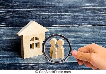 地位, バイヤー, 概念, 家族, ガラス, 木製である, 愛, 恋人, house., 親, 見る, 人, 数字, 立ちなさい, cohabitants, 拡大する