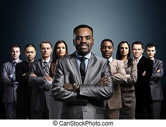 地位, ビジネス, 上に, 形作られる, 若い, 暗い, ビジネスマン, 背景, チーム