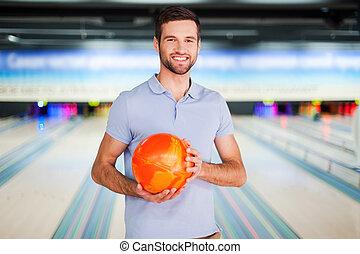 地位, ボール, 若い, に対して, 朗らかである, 間, カメラ, 細道, 保有物, ボウリング, 微笑, master., 人