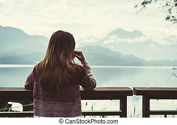 地位, 不在, 女性の見ること, 孤独, 嫌だと思われた, 川