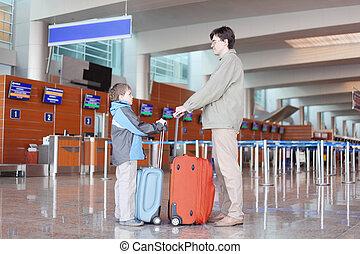 地位, 側, 父, 息子, 空港, スーツケース, ホール, 赤, 光景