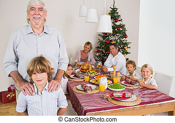 地位, 孫, 祖父, 夕食, ∥横に∥, テーブル