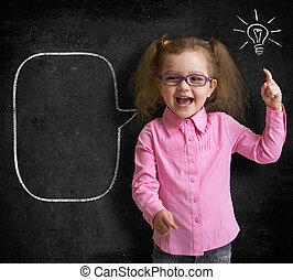 地位, 教室, 学校, 黒板, 考え, 明るい, 子供, 女の子, ガラス, 幸せ