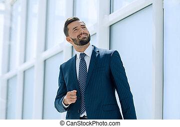 地位, 新しい, ビジネスマン, オフィス, 夢を見ること