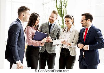 地位, 現代, グループ, businesspeople, オフィス