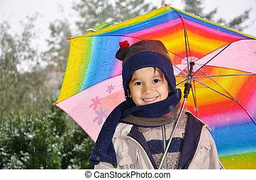 地位, 男の子, 傘, 雨, 下に