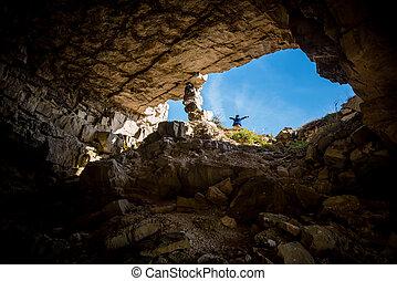 地位, 男の子, 入口, 洞穴, 若い, 前部