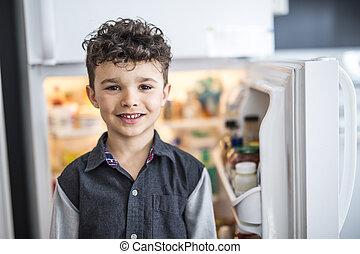 地位, 男の子, 若い, refrigerator., 前部, 白, 開いた