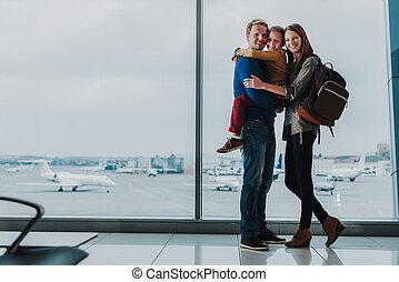 地位, 空港, 抱き合う, 家族, 幸せ