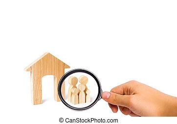 地位, affordable, ローン, 家族, housing., 木製の家, house., 若い, 拡大する, 見る ガラス, 購入, family., 新しい, 継続, 子供