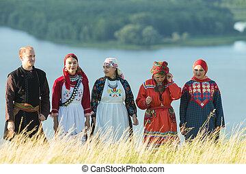 地位, balalaika, 人々, -, 伝統的である, フィールド, 保有物, ロシア人, 衣服, 人