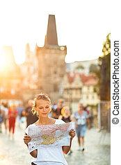 地図, イタリア, 女性, フォーラム, 勉強, ローマ, 若い, かなり, trajan's, 観光客