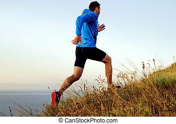 坂の上へ, 走っている男性, 動的, 運動選手