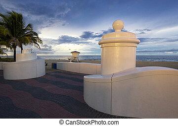 城砦lauderdale, 浜