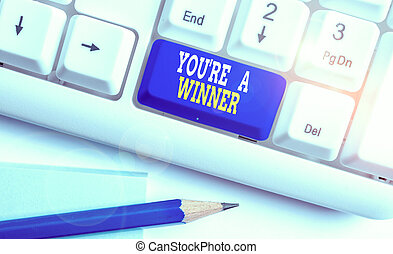 執筆, ビジネス, あなた, キーボード, 場所, ペーパー, バックグラウンド。, 勝利, チャンピオン, レ, pc, メモ, winner., showcasing, 提示, 写真, 第1, の上, ∥あるいは∥, 競争, 白