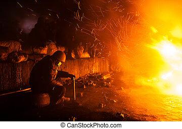 基輔, 烏克蘭, -, january, 24, 2014:, 群眾, anti-government, protests, 在, the, 中心, ......的, the, 烏克蘭人, 首都, kiev., 成員, ......的, the, 流行, 抵抗, 得到享受, 近, the, 火, 上, hrushevskoho, 街