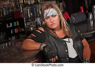 堅い, 女性, ギャングのメンバー