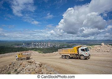 堆存處卡車, 運載, 岩石, 在, a, 采石場