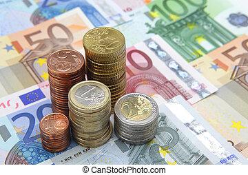 堆, ......的, 歐元, 硬幣, 上, 歐元鈔票