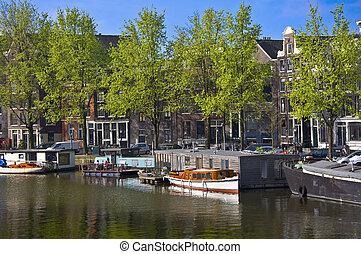 堤防, クラシック, houses., 木, barge., amsterdam., に対して, 背景, オランダ語, ...
